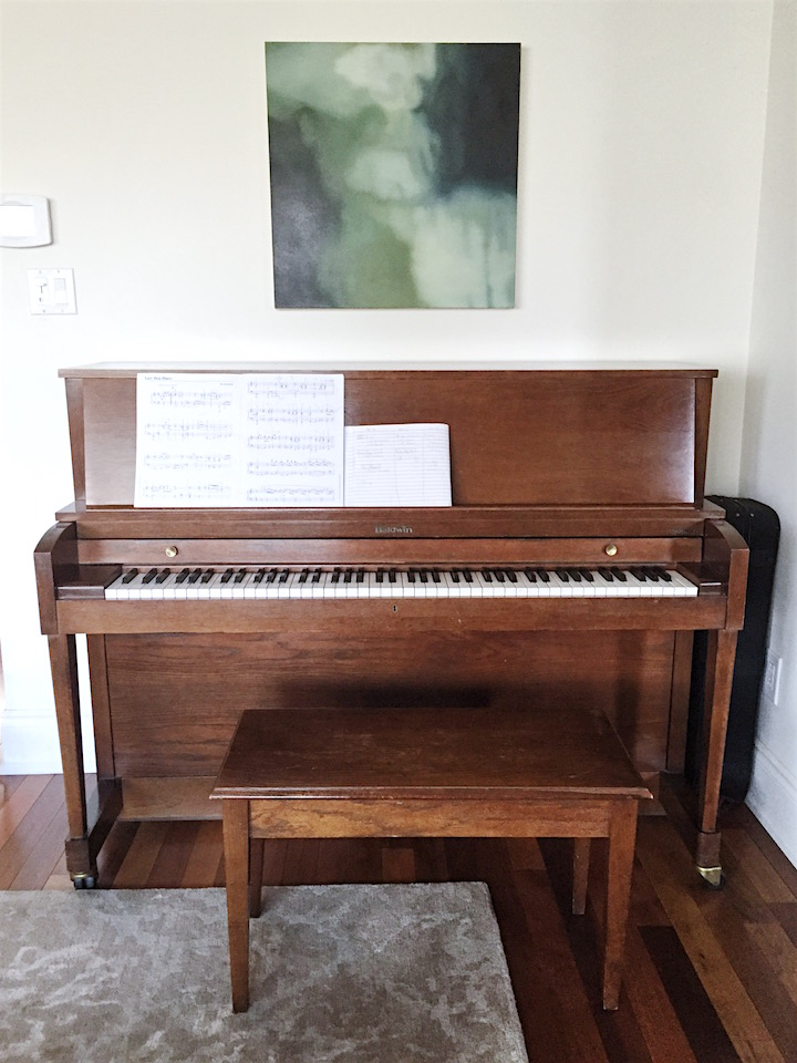 LR-piano-before