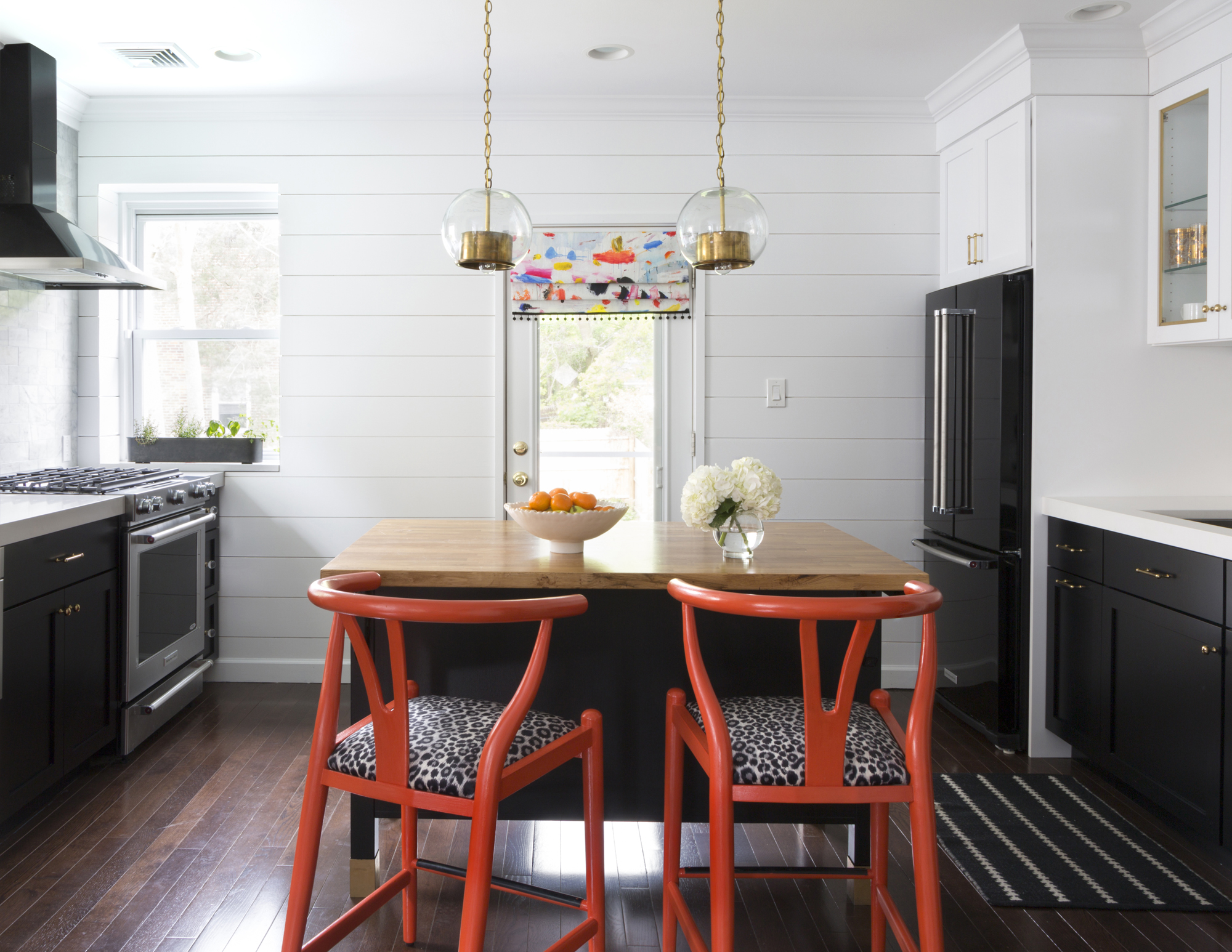 Design-Manifest-Kitchen-Black-cabinets-white-shiplap