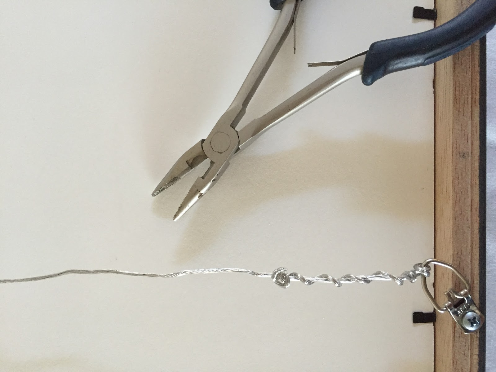 how to install hanging wire on picture frames